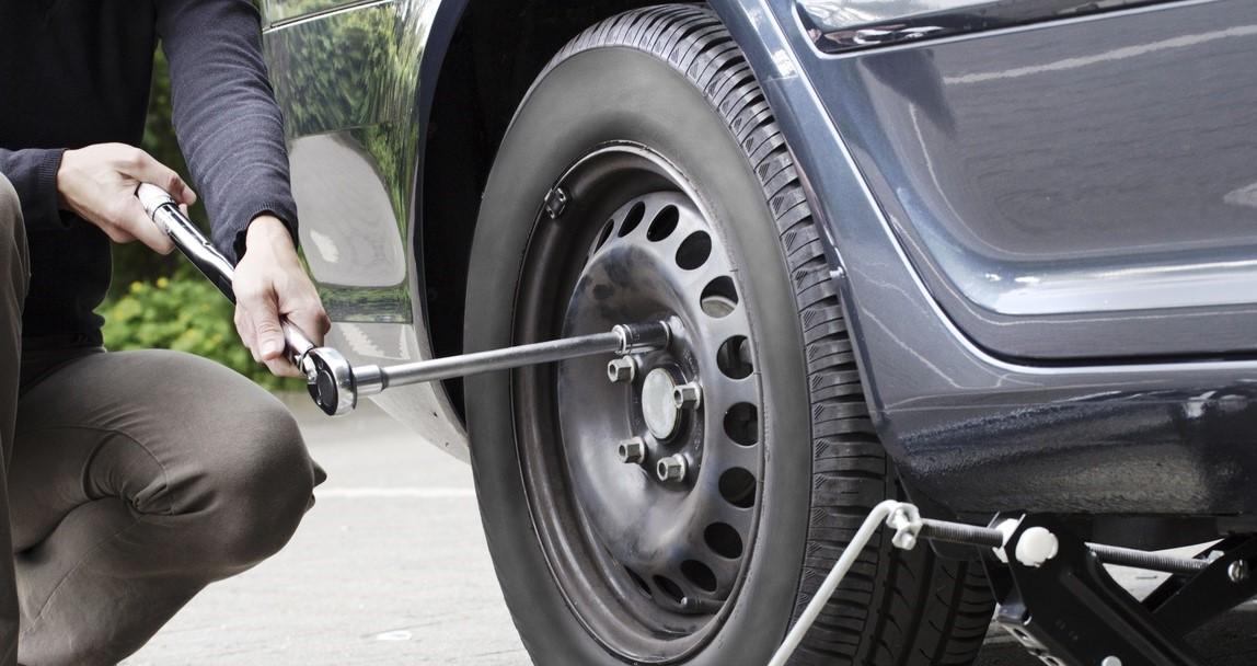 Araba Lastiği Değiştirmenin Püf Noktaları